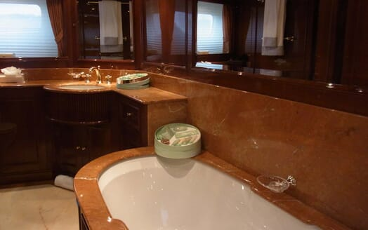 Motor Yacht Satine bathroom