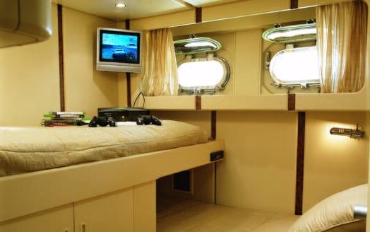 Motor yacht Costa Magna twin cabin