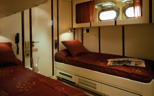 Motor yacht Costa Magna twin stateroom