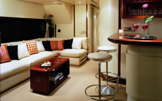 Motor yacht Costa Magna bar