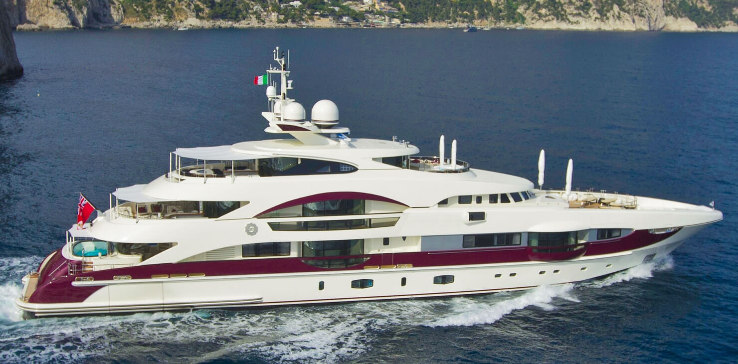 Motor Yacht QUITE ESSENTIAL Underway