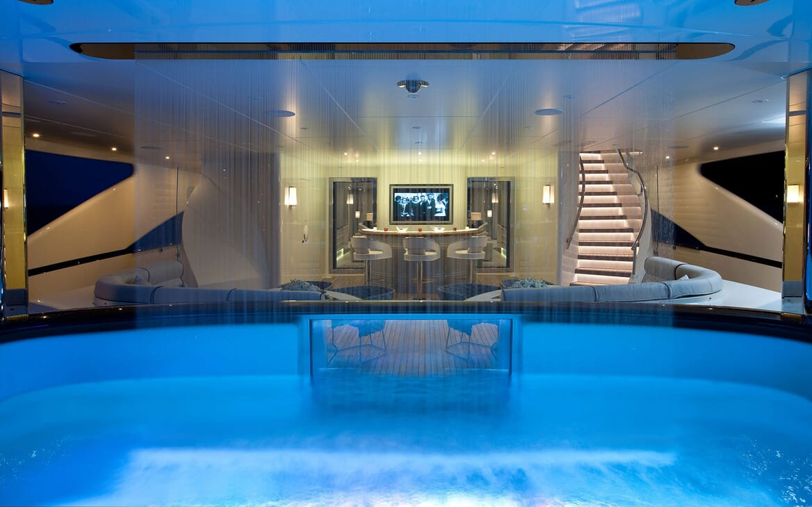 Motor Yacht QUITE ESSENTIAL Pool with Water Feature