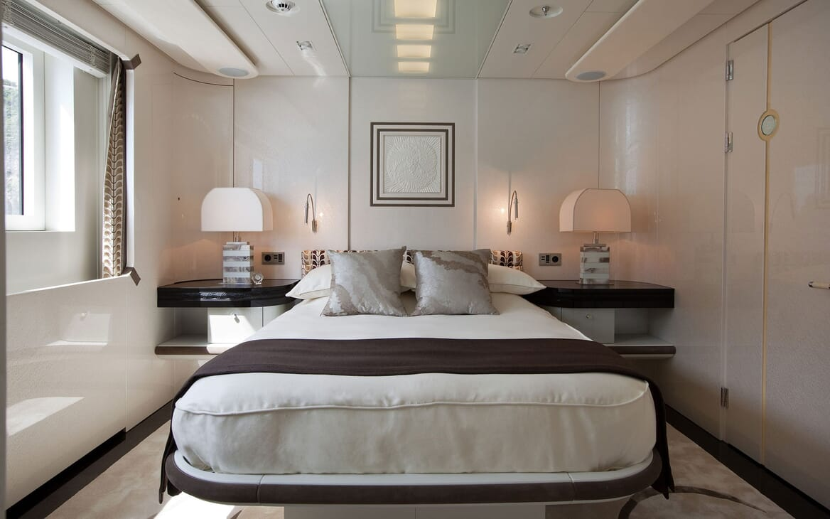 Motor Yacht QUITE ESSENTIAL Guest Double Stateroom