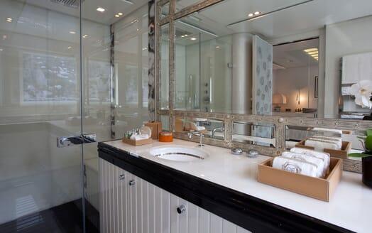 Motor Yacht QUITE ESSENTIAL Guest Bathroom