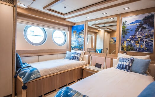 Motor Yacht Siren Twin Guest Stateroom