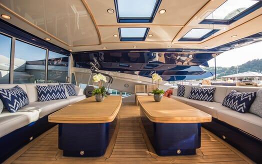 Motor Yacht Siren Sun Deck