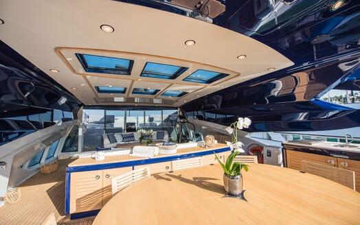 Motor Yacht Siren Sun Deck Dining