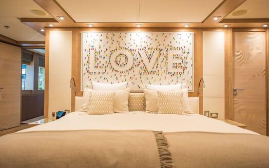Motor Yacht Siren Master Stateroom Art