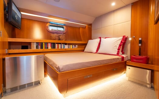 Sailing Yacht SILVERTIP Guest Double Stateroom