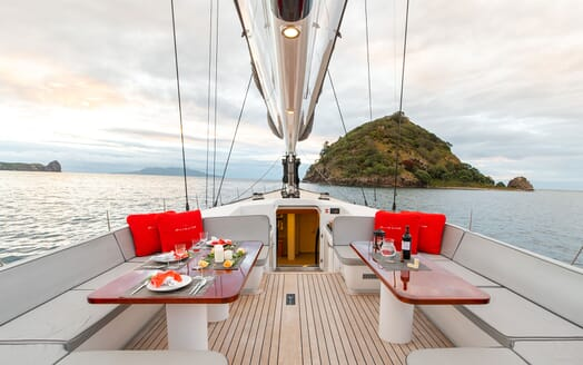 Sailing Yacht SILVERTIP Al Fresco Dining