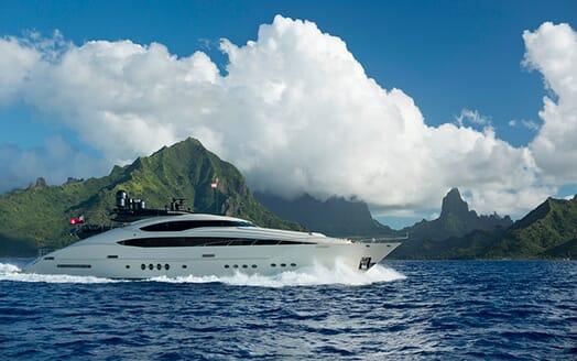 Motor Yacht Vantage galley