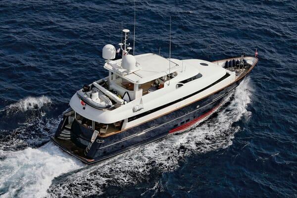 Motor Yacht SUPERBA 88 Underway