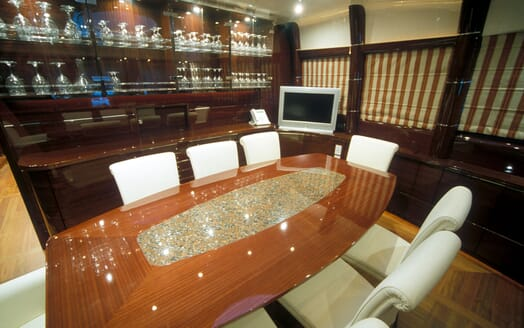 Motor Yacht SUPERBA 88 Dining Table