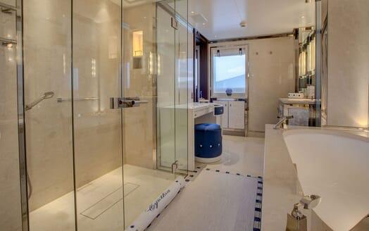Motor Yacht CYNTHIA Master Bathroom
