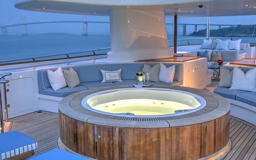 Motor Yacht CYNTHIA Evening Jacuzzi