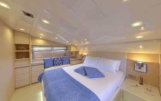 Motor Yacht Tuscan Sun VIP stateroom