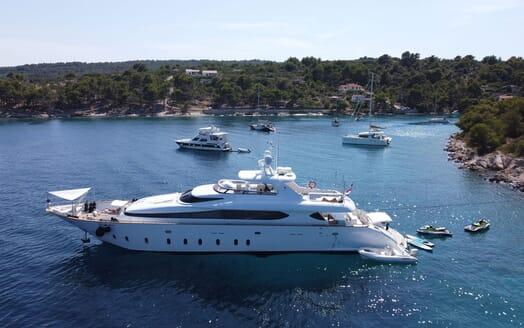 Motor Yacht Tuscan Sun toys