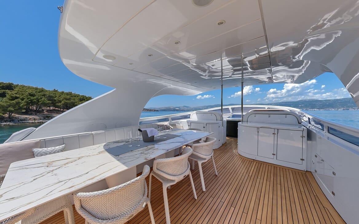 Motor Yacht Tuscan Sun foredeck