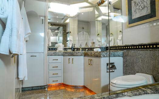 Motor Yachts INVISION Guest Bathroom