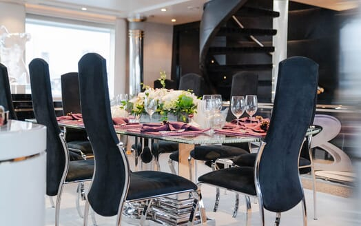 Motor Yachts INVISION Main Deck Dining Table