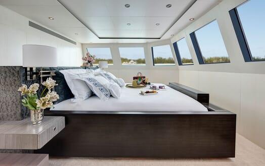 Motor Yacht HIGHLANDER Master Stateroom