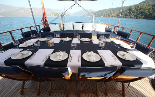 Sailing Yacht Queen of Datca al fresco dining