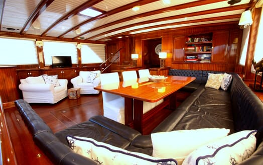 Sailing Yacht Queen of Datca saloon
