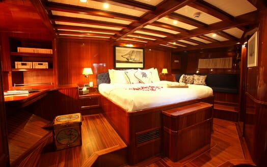 Sailing Yacht Queen of Datca master cabin