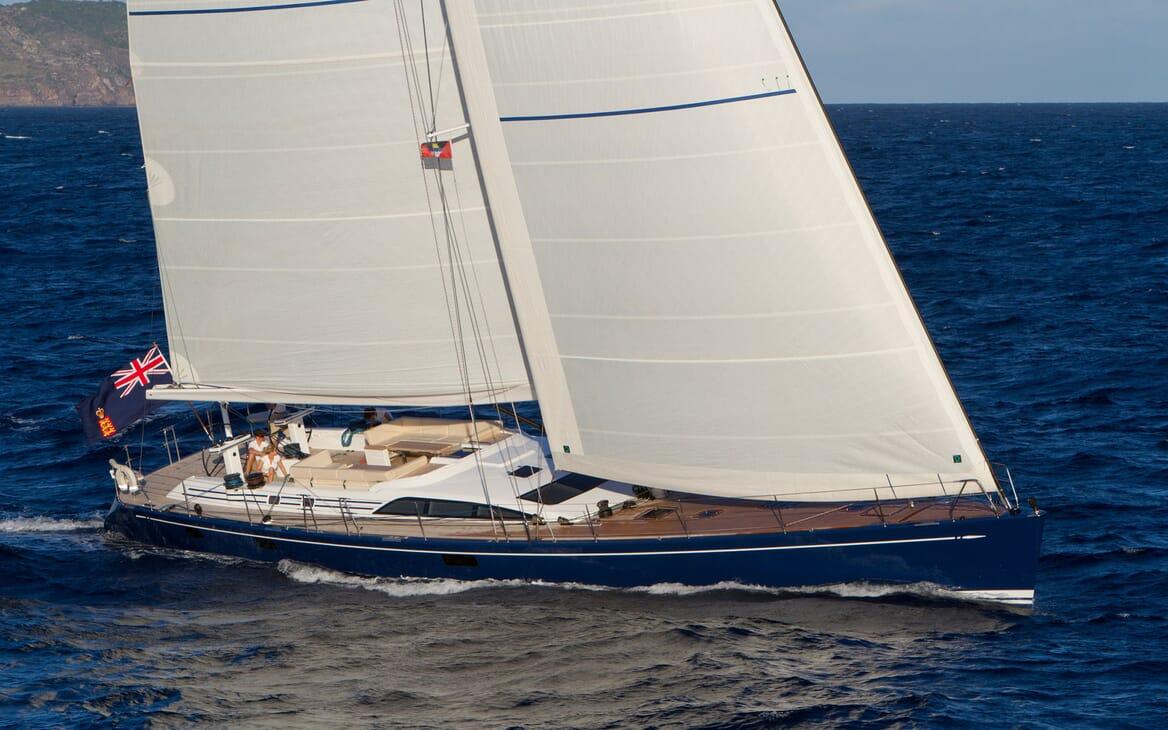 Sailing Yacht ANANDA Profile Underway