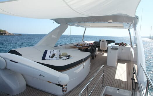 Motor Yacht Samakanda outdoor seating area
