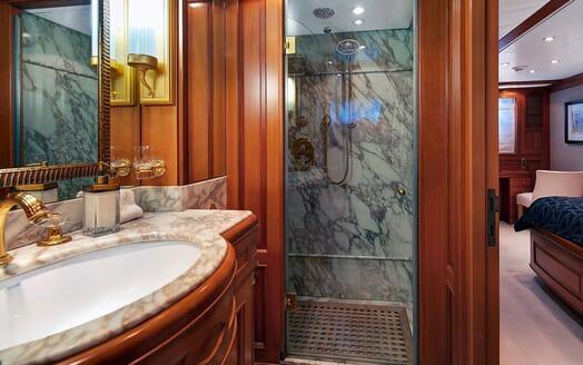Motor Yacht NEW STAR VIP Bathroom