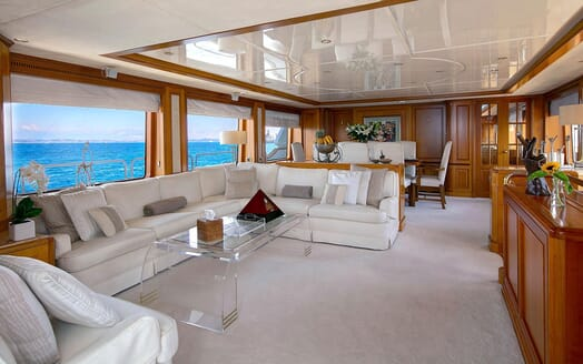 Motor Yacht NEW STAR Main Saloon and Dining