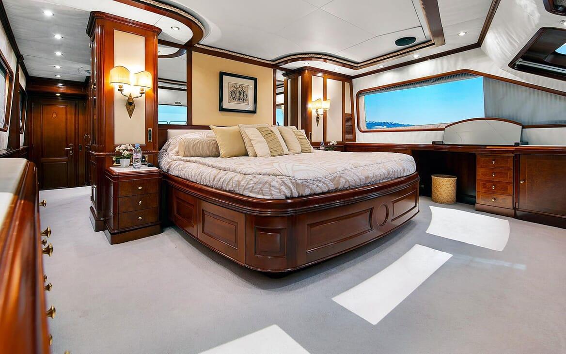 Motor Yacht NEW STAR Master Stateroom