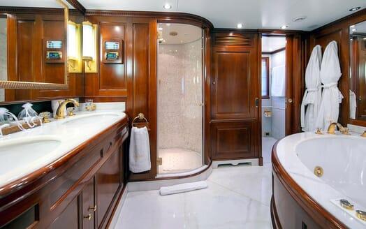 Motor Yacht NEW STAR Master Bathroom