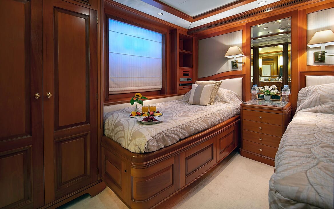 Motor Yacht NEW STAR Twin Guest Stateroom