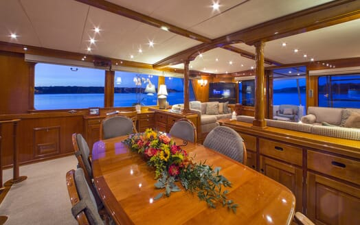 Motor Yacht Tumblehome dining area