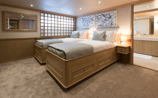 Motor Yacht Minderella twin stateroom with ensuite