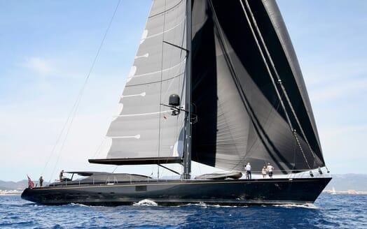 Sailing Yacht Zalmon cruising