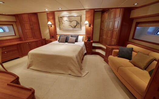 Sailing Yacht Zalmon master cabin