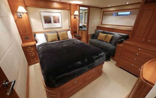 Sailing Yacht Zalmon guest cabin