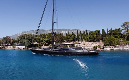 Sailing Yacht Zalmon motoring