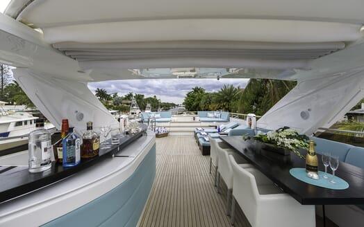 Motor Yacht Cristobal sundeck
