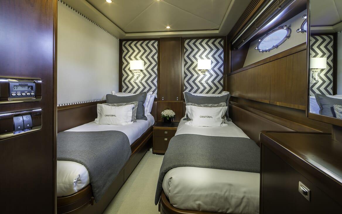 Motor Yacht Cristobal twin cabin