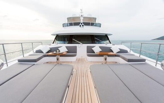 Motor Yacht Edesia sky deck