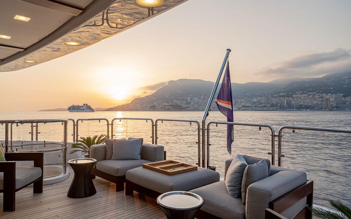 Motor Yacht Edesia foredeck