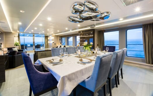 Motor Yacht Edesia dining area