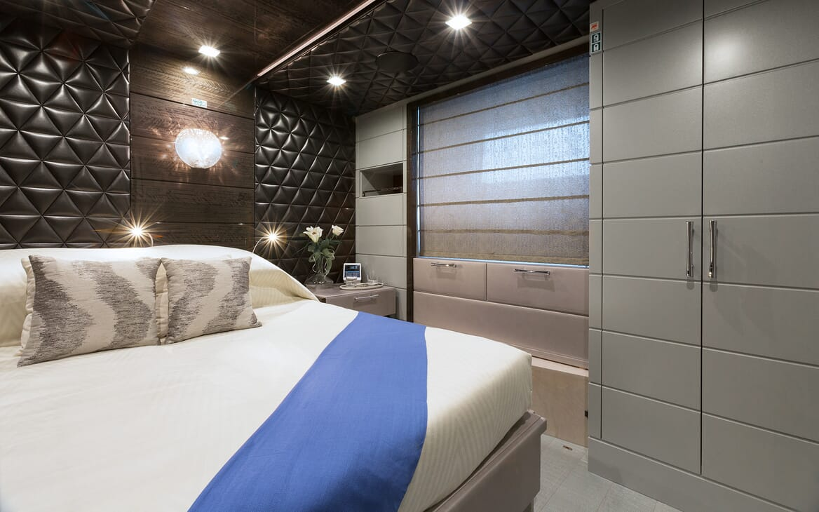 Motor Yacht Edesia double stateroom