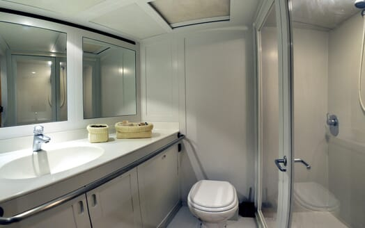 Sailing Yacht Adesso bathroom