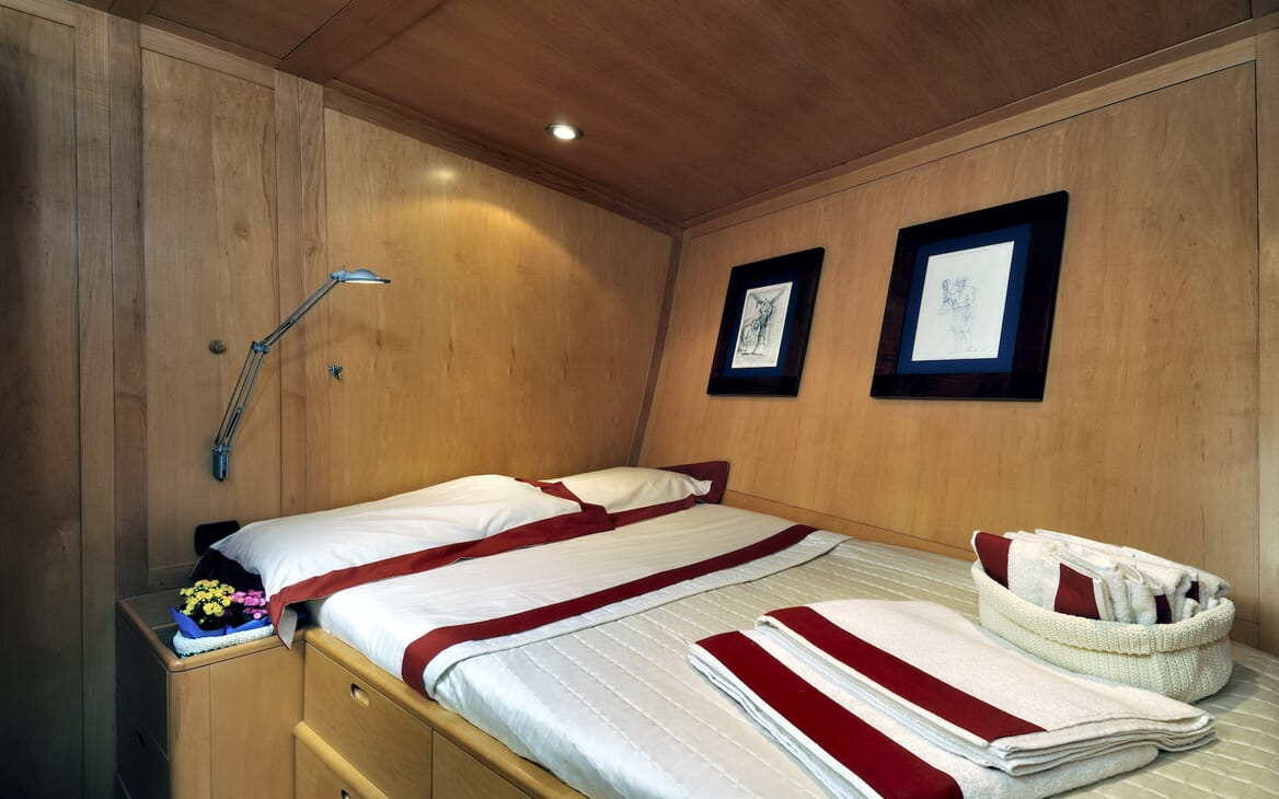 Sailing Yacht Adesso double cabin