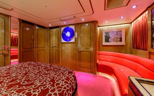 Sailing Yacht Scorpius master cabin